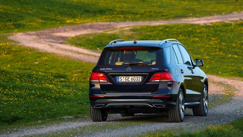 Mercedes gle 2019 from behind