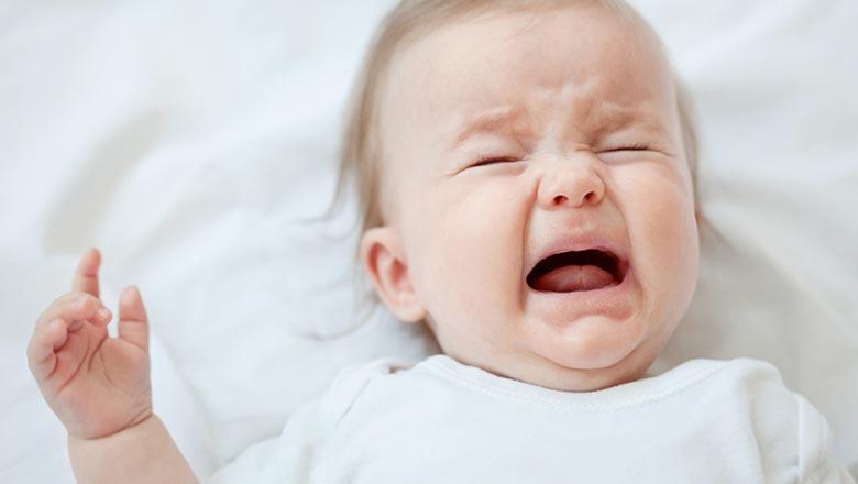 почему плачет новорожденный ребенок