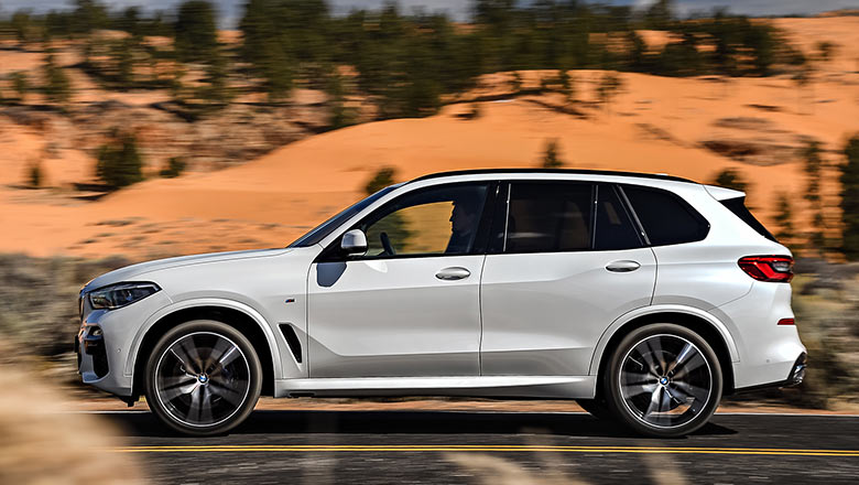 new bmw x5 2019 from the side