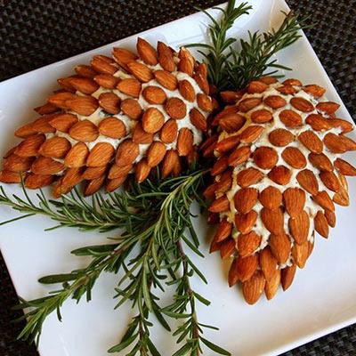 новогоднее блюдо с орехами